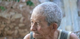 A man from a village is 102 years old, does not take any medications and feels as a young man. He says that the main reason for that is one food that you might already have in your home.