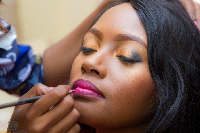 oasdom.com the history of lipstick
