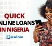 Girl using mobile phone to know how to get quick online loans in Nigeria without collateral. Visiting top loan websites and money lenders to get instant loan online and borrow money