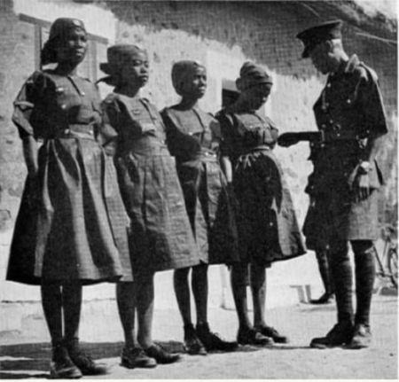 Nigeria female police uniform in 1948
