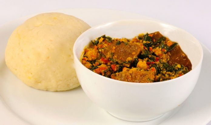 Hey! Here's how to cook egusi soup following four different recipes in preparing this popular Nigerian soup. Follow directions in here and make egusi soup.