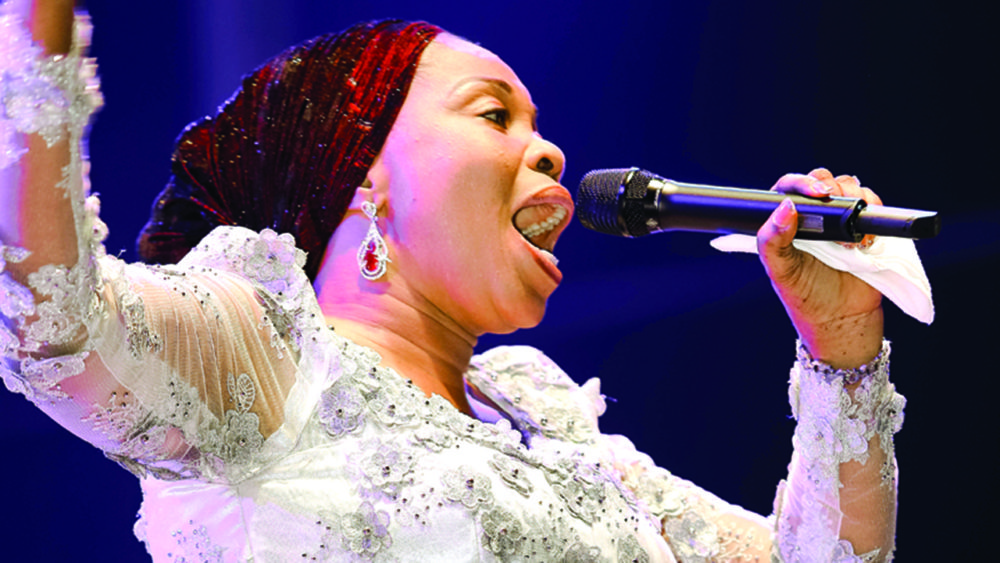 Tope alabi female gospel musician in nigeria