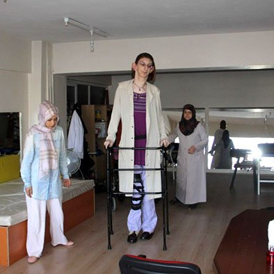 Rumesya Gelgi second tallest female in the world