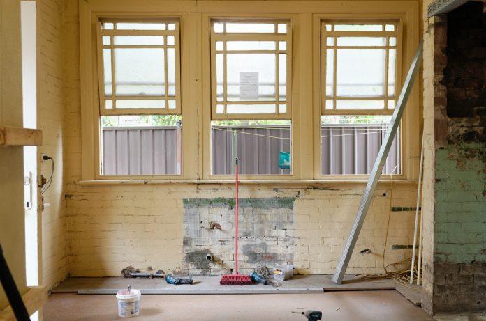 House repair contractor