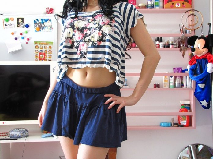 stylish short skirts