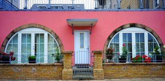 Tips to maintain aluminium storefront doors neatly